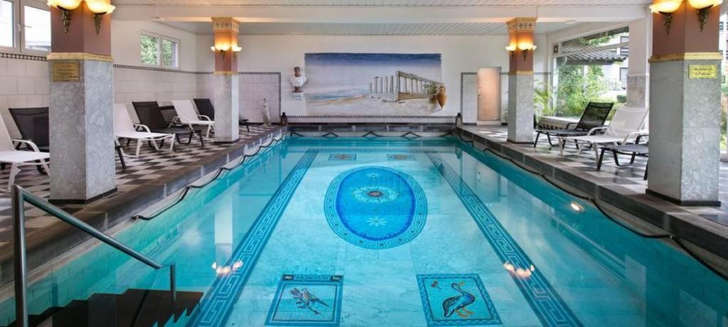 Luxe prive wellness arrangement bij spa bada haarlem aanbieding vakantieveilingen - Zwembad arrangement ...