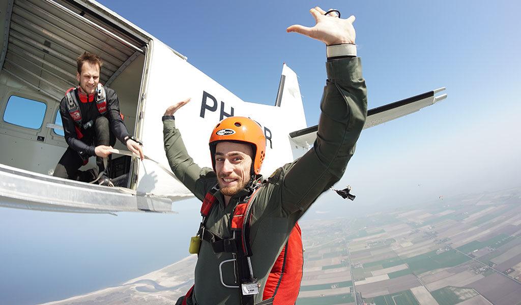 Korting Cursus zelfstandig parachutespringen